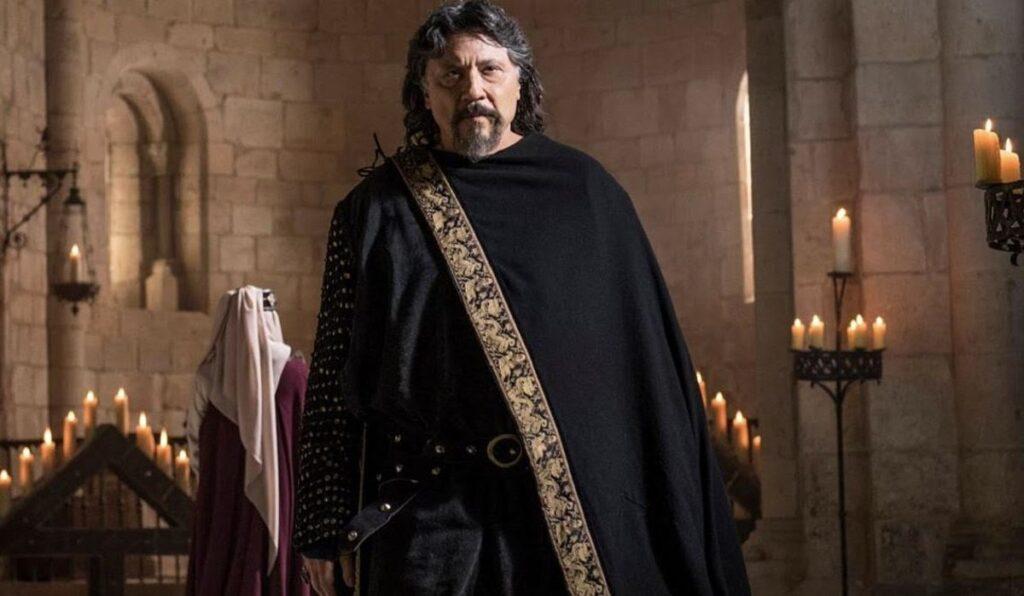 """Fotograma de """"El Cid"""" con Carlos Bardem con perilla."""