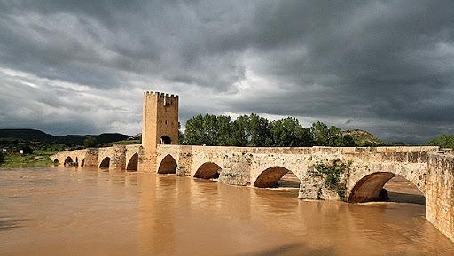 """Puente de Frías, en Burgos, donde se han rodado escenas de la serie """"El Cid""""."""
