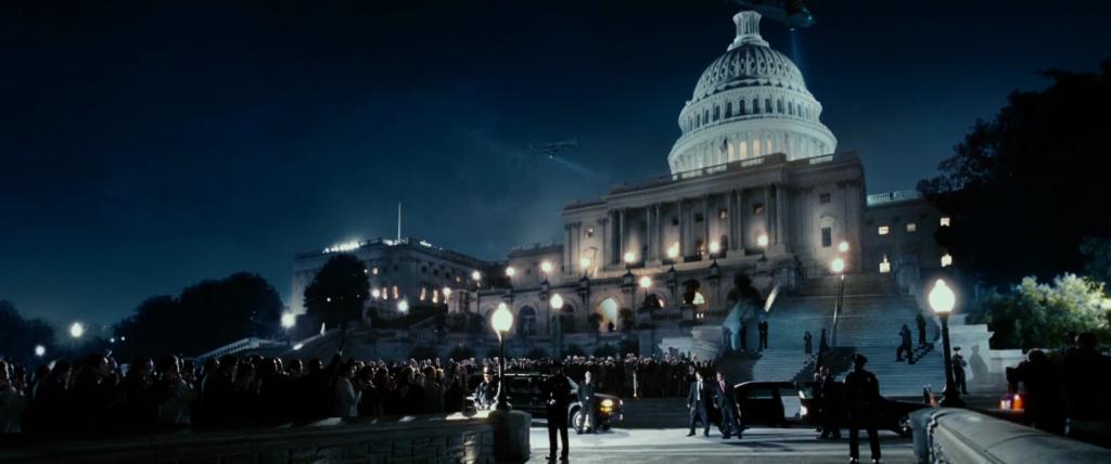 """Fotograma de """"Triple Equis 2"""" con el Capitolio sitiado."""