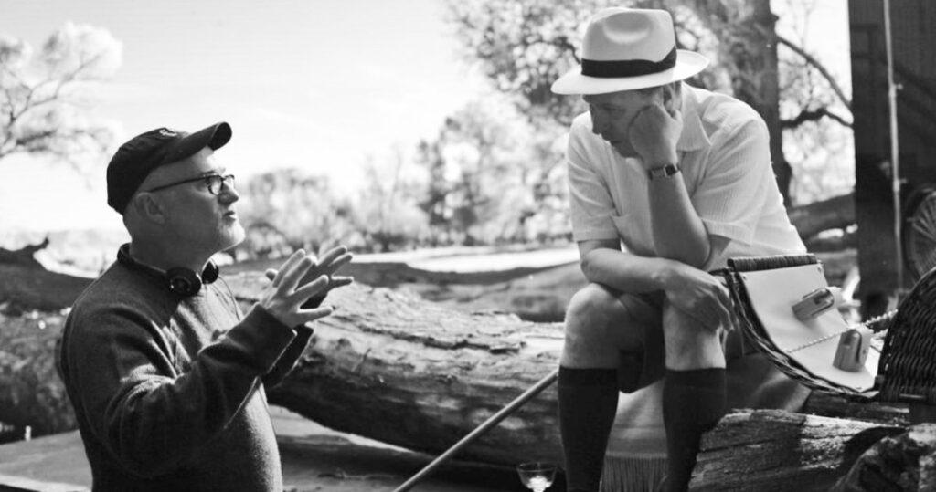 """David Fincher y Gary Oldman en el plató de """"Mank""""."""