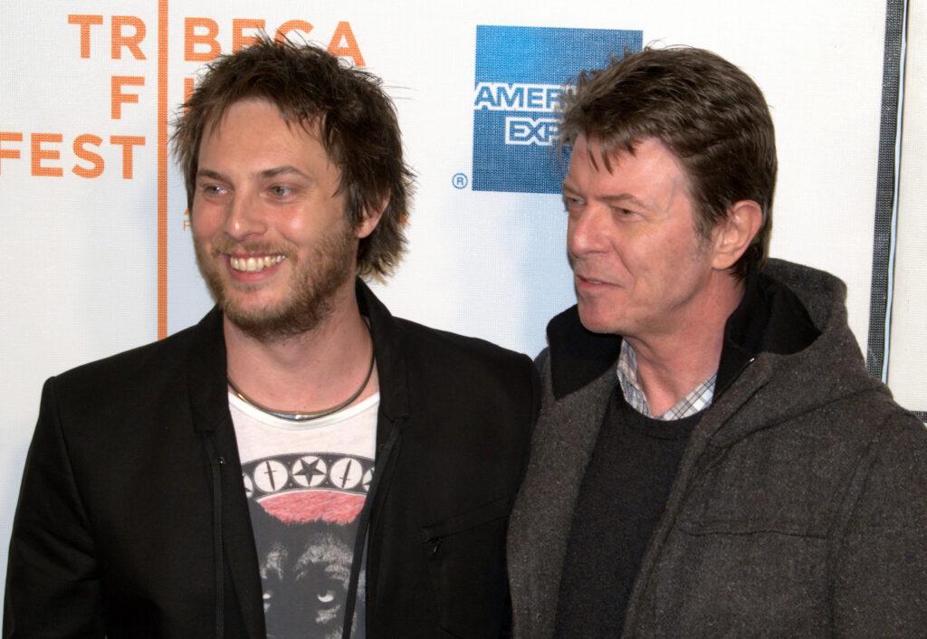 Duncan Jones con su padre, David Bowie.
