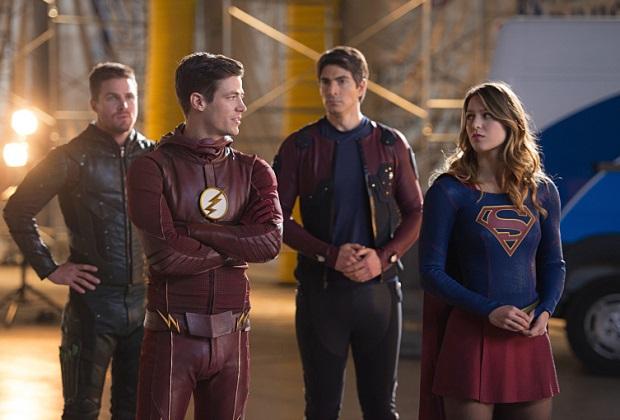 """Arrow, Flash, The Atom y Supergirl en """"Legends of Tomorrow"""" temporada 7."""