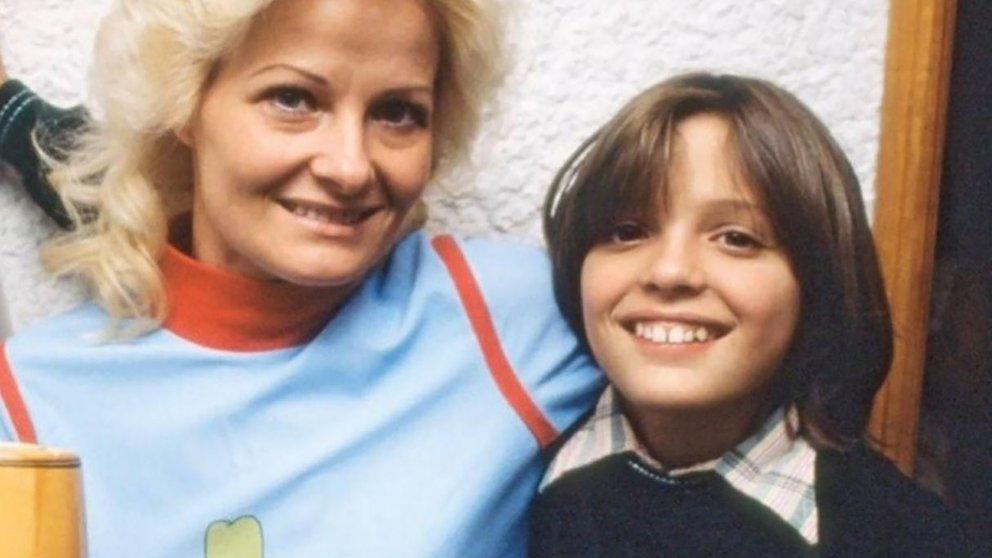 Luis Miguel con su madre, Marcela Bastieri.