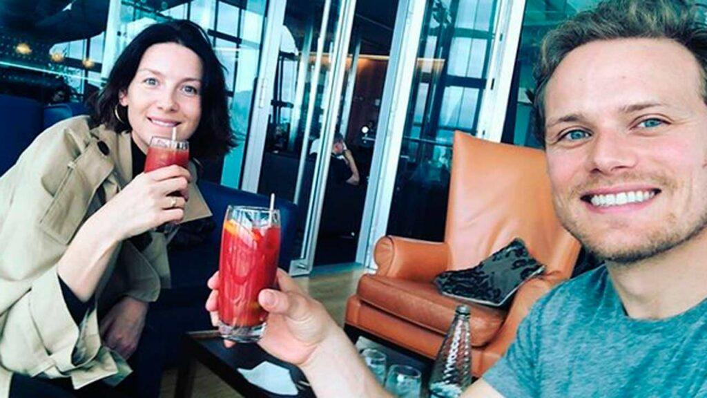 """Caitriona Balfe y Sam Heughan, compañeros en """"Outlander""""."""