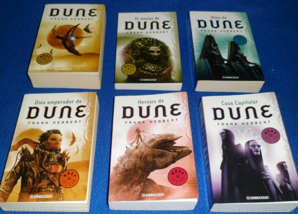 """LIbros de """"Dune""""."""