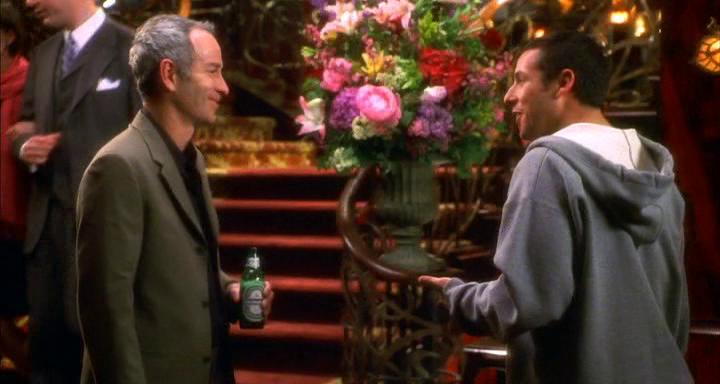 """John McEnroe, el más agresivo de los deportistas en el cine, con Adam Sandler en """"Mr. Deeds""""."""